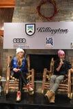 Mikaela Shiffrin och Wendy Holdener av Schweiz svarar frågor från massmedia under en presskonferens arkivfoto