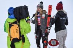 Mikaela Shiffrin que da lejos entrevista durante el eslalom gigante de Audi FIS el Ski World Cup Women alpino imágenes de archivo libres de regalías