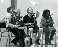 Mike Douglas, Fran Allison, Burr Tillstrom und Gloria Gaynor lizenzfreie stockfotografie