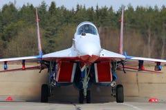 Mikoyan-Gurevich MiG-29 команды аэробатик Swifts русской военновоздушной силы во время репетиции парада дня победы Стоковое фото RF