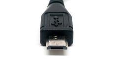 Mikro usb kabel odizolowywający na białym tła zakończeniu up Zdjęcie Royalty Free