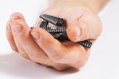 Mikrochip in der Hand stockbilder