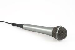 Mikrofon auf einem weißen Backgrou Stockfoto