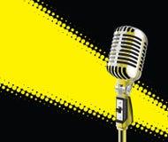 Mikrofon im Scheinwerfer Lizenzfreie Stockfotografie