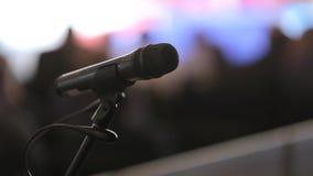 Mikrofon jest na scenie konferencja zbiory