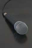 Mikrofon mit Netzkabel stockbild