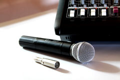 Mikrofon och blandare Royaltyfria Bilder