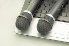 Mikrofon och tangentbord Royaltyfri Bild