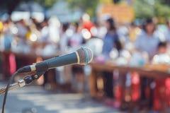 Mikrofon przy szkołą Obraz Royalty Free