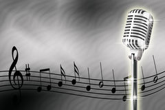 Mikrofon und musikalische Anmerkungen Lizenzfreie Stockfotos