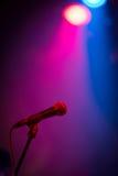 Mikrofon w światłach Obrazy Royalty Free