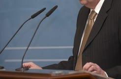 mikrofoner för möte för affärskonferensjournalistik Royaltyfri Fotografi
