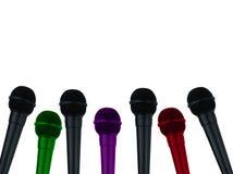 Mikrofony dla reportera na odosobnionym białym tle ilustracji