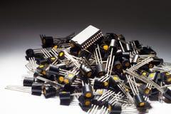 Mikrokontroller på högen av transistorer Royaltyfria Foton