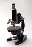 Mikroscope velho Fotos de Stock Royalty Free