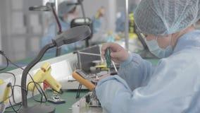 Mikroukład produkci fabryka Technologiczny proces Gromadzić deskę chip profesjonalizm technik Komputer zbiory wideo