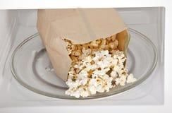 Mikrowellen-Popcorn Lizenzfreies Stockbild