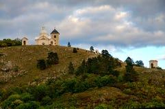 Mikulov - heiliger Hügel lizenzfreie stockbilder