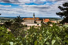 Mikulov jest jeden odwiedzeni miejsca w Południowym Moravia w republika czech obrazy royalty free