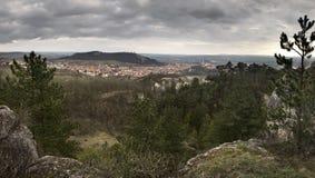 Mikulov-Stadt und seine Umgebungen von Turold-Hügel, Tschechische Republik Stockbilder