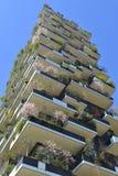 Milán, Italia, Bosco Verticale, nuevo rascacielos de Porta Nuova Fotografía de archivo libre de regalías