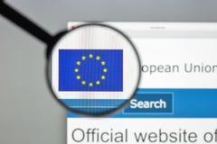 Milán, Italia - 10 de agosto de 2017: Europa homepage del sitio web del eu Euro Fotografía de archivo libre de regalías