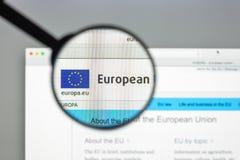 Milán, Italia - 10 de agosto de 2017: Europa homepage del sitio web del eu Euro Imagen de archivo