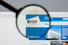 Milán, Italia - 10 de agosto de 2017: Homepage del sitio web de Aegon Es a Fotos de archivo libres de regalías