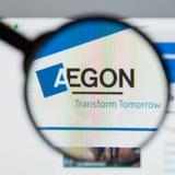 Milán, Italia - 10 de agosto de 2017: Homepage del sitio web de Aegon Es a Foto de archivo
