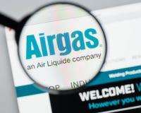 Milán, Italia - 10 de agosto de 2017: Homepage del sitio web de Airgas Es t Fotos de archivo libres de regalías