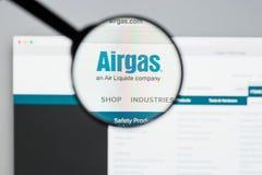 Milán, Italia - 10 de agosto de 2017: Homepage del sitio web de Airgas Es t Fotos de archivo