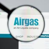 Milán, Italia - 10 de agosto de 2017: Homepage del sitio web de Airgas Es t Imagen de archivo libre de regalías