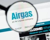 Milán, Italia - 10 de agosto de 2017: Homepage del sitio web de Airgas Es t Foto de archivo libre de regalías