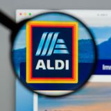 Milán, Italia - 10 de agosto de 2017: Homepage del sitio web de ALDI Es Imágenes de archivo libres de regalías