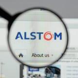 Milán, Italia - 10 de agosto de 2017: Homepage del sitio web de Alstom Es a Foto de archivo