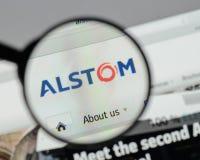 Milán, Italia - 10 de agosto de 2017: Homepage del sitio web de Alstom Es a Imagen de archivo
