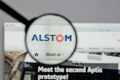 Milán, Italia - 10 de agosto de 2017: Homepage del sitio web de Alstom Es a Foto de archivo libre de regalías