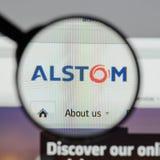 Milán, Italia - 10 de agosto de 2017: Homepage del sitio web de Alstom Es a Fotografía de archivo libre de regalías