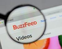 Milán, Italia - 10 de agosto de 2017: Logotipo de Buzzfeed en el sitio web ho fotos de archivo