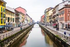 MILÁN, ITALIA - 13 de febrero de 2017: Grande canal de Naviglio Fotos de archivo libres de regalías