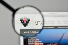 Milán, Italia - 1 de noviembre de 2017: Logotipo de las tecnologías de los minerales en t Foto de archivo