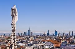 Milão, 2012: skyline nova Imagem de Stock