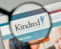 Milão, Itália - 1º de novembro de 2017: Logotipo dos cuidados médicos dos Kindred no Foto de Stock Royalty Free