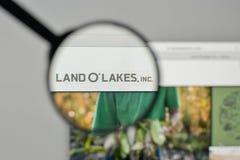 Milão, Itália - 1º de novembro de 2017: Logotipo dos lagos land O no websit Fotografia de Stock Royalty Free