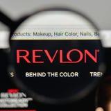 Milão, Itália - 1º de novembro de 2017: Logotipo de Revlon na casa do Web site Foto de Stock