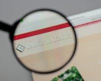 Milão, Itália - 10 de agosto de 2017: Banco do logotipo de Ozarks no w fotografia de stock royalty free