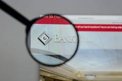 Milão, Itália - 10 de agosto de 2017: Banco do logotipo de Ozarks no w imagens de stock