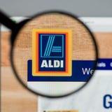Milão, Itália - 10 de agosto de 2017: Homepage do Web site de ALDI É Fotos de Stock Royalty Free