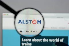 Milão, Itália - 10 de agosto de 2017: Homepage do Web site de Alstom É a Imagem de Stock