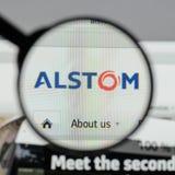 Milão, Itália - 10 de agosto de 2017: Homepage do Web site de Alstom É a Fotos de Stock